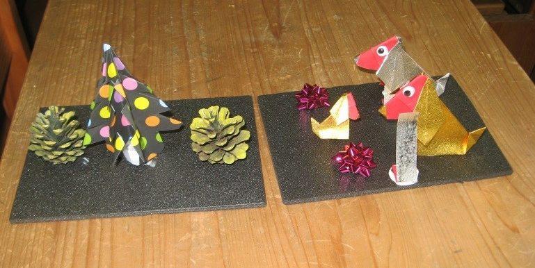折り紙で作った来年の干支(犬)飾り(右)