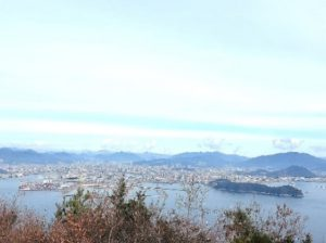 安芸小富士山頂から広島市街地遠望